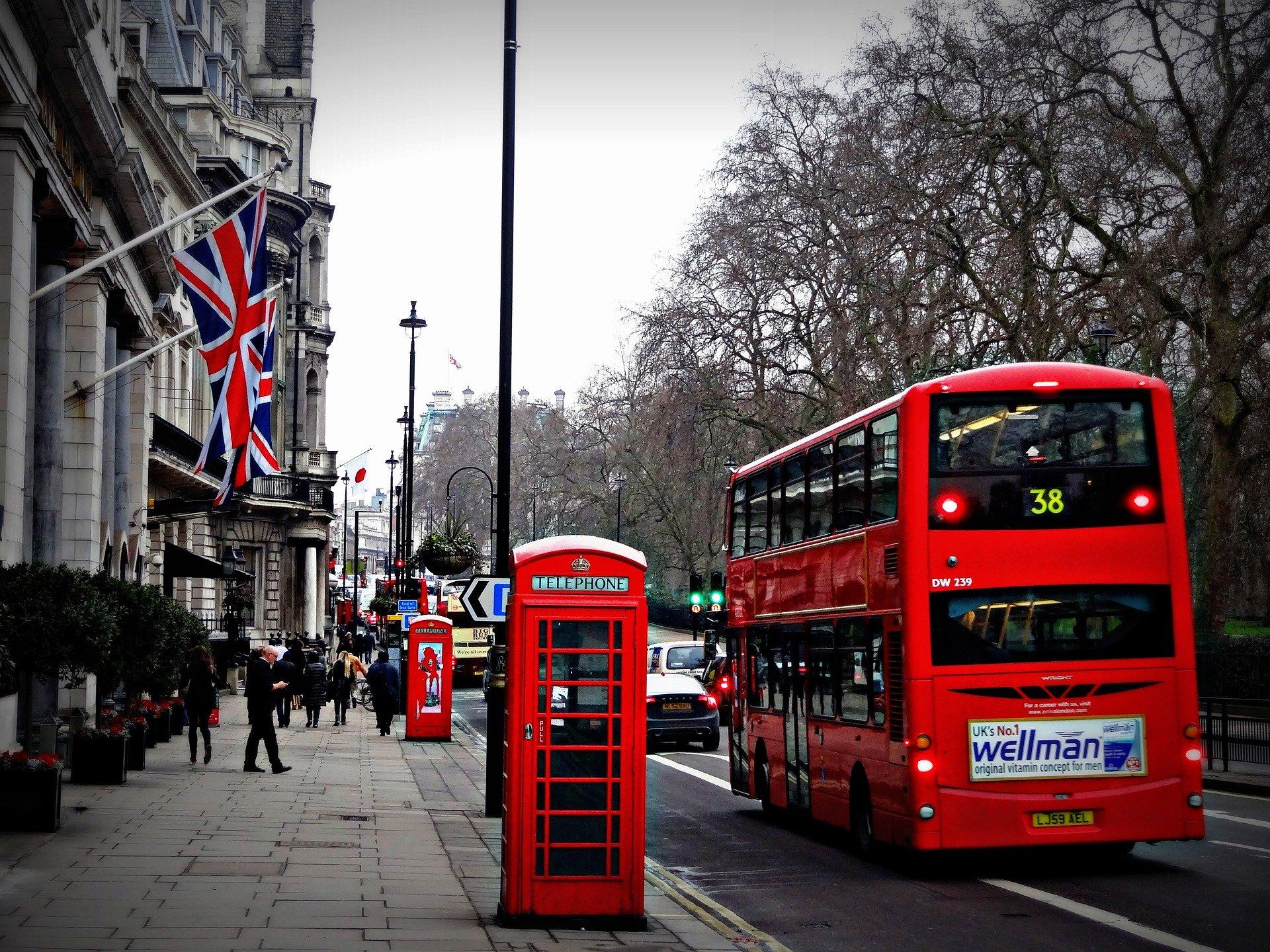 Billige busrejser i England